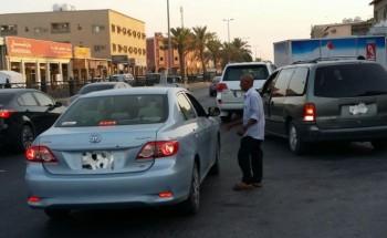 بقالات شارع مكة في الخفجي تخدم السيارات وتخلف عشوائية وعرقلة وحوادث مرورية