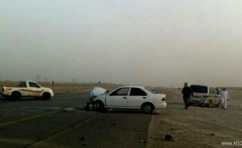خطر مدخل شبك الحرس الوطني بالخفجي يتكرر بوقوع حادث لسيارتين اليوم