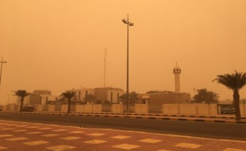موجة غبار تجتاح «الخفجي».. وإنعدام تام للرؤية