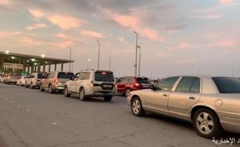 إزدحام شديد في منفذ الخفجي مع بداية عطلة المدارس.. وأكثر من 22 ألف مسافر يعبرون يوميا
