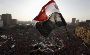 المصريون يتدفقون إلى الشوارع لمطالبة مرسي بالتنحي
