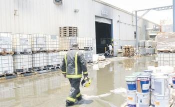 خلطة كيميائية تتسبب بحريق في صناعية الدمام الأولى