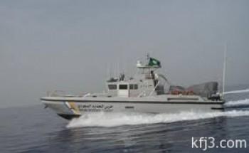 الدوريات البحرية بحرس حدود الخفجي تنقذ متنزه سقط من قاربه