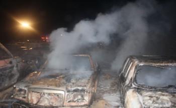 مجهولون يشعلون النار في عشرين سيارة بالخفجي
