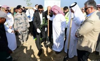 بالصور.. الهزاع يرعى حملة نثر البذور الصحراوية في بر تحلية الخفجي