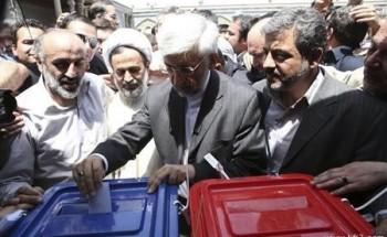 الإيرانيون ينتخبون رئيسا جديدا وخامنئي يسخر من أمريكا