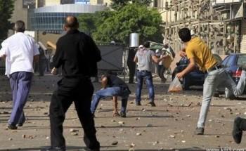 قتيل وأكثر من مئة مصاب في اشتباكات بين مؤيدي ومعارضي مرسي