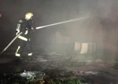 مدني الخفجي:يخمد حريقاً بسكن مقاول تابع للتحلية