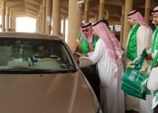 جمرك الخفجي وحرس الحدود يشاركان المسافرون الإحتفال باليوم الوطني السعودي