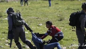 إصابة فلسطينيين دهستهما مركبة للاحتلال الإسرائيلى فى رام الله