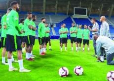 «الأخضر» يواجه الإمارات ودياً في أبوظبي