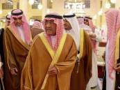 مقرن بن عبدالعزيز يؤدي صلاة الميت على والدة عبدالعزيز بن هذلول بن عبدالعزيز