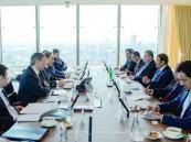 سلطان بن سلمان يلتقي وزير الصناعة والتجارة الروسي