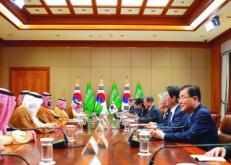 الرئيس الكوري وولي العهد يبحثان مستجدات الأحداث وتعزيز التعاون