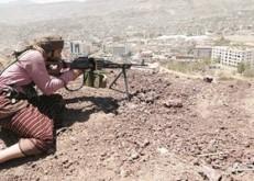 """اليمن : ميليشيا الحوثى تهدد بتفجير """"خزانات صافر"""" النفطية فى البحر الأحمر"""