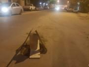 بعد الأمطار..حفر شوارع الخفجي تقتنص المركبات وعلامات التحذير بدائية