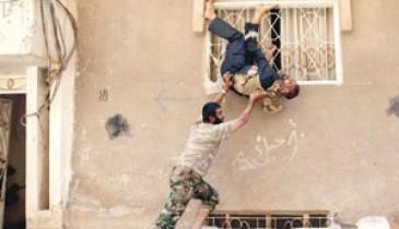 """""""الجيش الحر"""" يواجه """"ترسانة الأسد"""" بـ""""أحزمة ناسفة"""" و""""فرق انتحارية"""""""