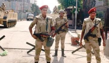 """الجيش يحذر من """"تعطيل"""" المسار الانتقالي"""