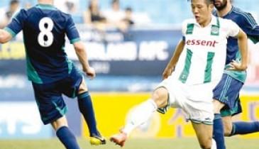 سوك أول كوري يلعب بقميص الأهلي