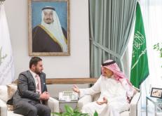 سلطان بن سلمان يستقبل سفير نيوزيلندا