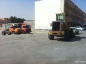 أهالي حي العزيزية في الخفجي يشتكون ضوضاء الشاحنات والمعدات الثقيلة