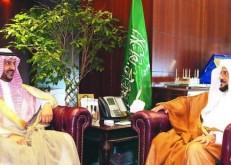 وزير الشؤون الإسلامية يستقبل بندر بن سلمان