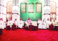 الأمير محمد بن سلمان يلتقي مجموعة من المثقفين السعوديين