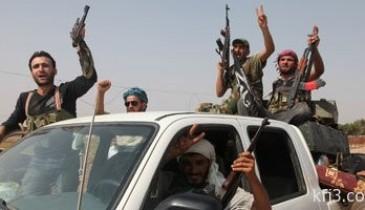 المعارضة السورية تهدد بقصف قواعد النظام بحماة بعد تمر سجناء بغرب البلاد