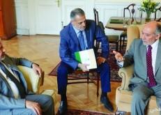 د. الربيعة يستعرض الجهود الإنسانية والإغاثية للمملكة أمام رئيس مجلس النواب التشيلي