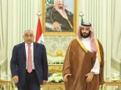 ولي العهد ورئيس الوزراء العراقي يستعرضان فرصاً واعدة