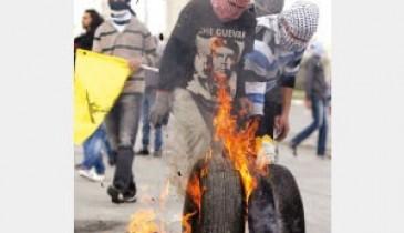 """فلسطينيون: أوباما لا يملك مشروعا للسلام.. وزيارته لـ""""الاستماع"""""""