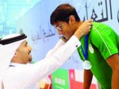 البقشي يخطف ذهبية بطولة الألعاب المائية