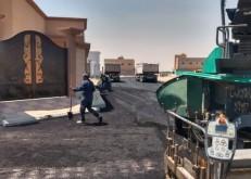 بلدية الخفجي تشرع في تنفيذ مشروع سفلتة مخططات المنح بالمحافظة
