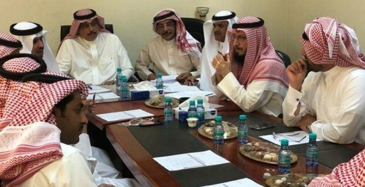 المجلس البلدي يعتمد سفلتة وإنارة عدد من أحياء الخفجي