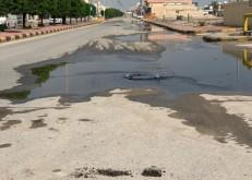 مياه مناهيل الصرف الصحي تقلق سكان تعاون الخفجي