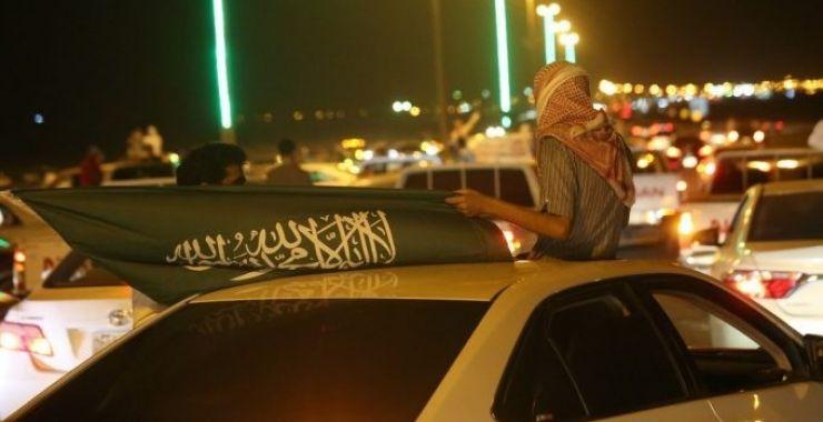 بالصور.. مسيرات شبابيه تجوب شوارع الخفجي احتفالاً باليوم الوطني