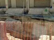 ساكنوا حي العزيزية يبدون تذمرهم جراء بطئ أعمال الحفريات