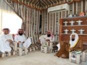 الهزاع يقيم مأدبة غداء إحتفاءً بالشيخ عصام العويد ومنظمي الجلسة الشبابية