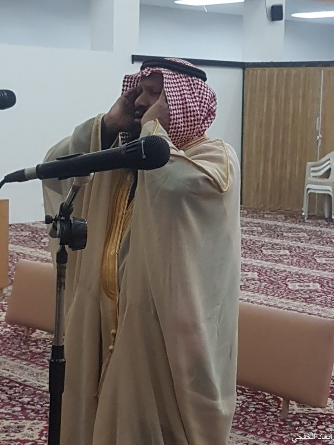 جماعة مسجد العباس يحتفون بالمحزري«أحد أقدم مؤذنو الخفجي»