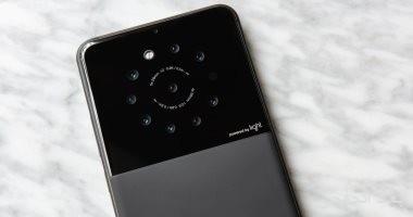 Light تطرح هاتفا ذكيا جديدا مزودا بـ 9 كاميرات لأول مرة فى العالم قريبا