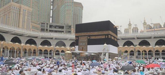 إمام الحرم: يحث الحجاج على توحيد العبادة وترك النعرات والعبارات الجاهلية