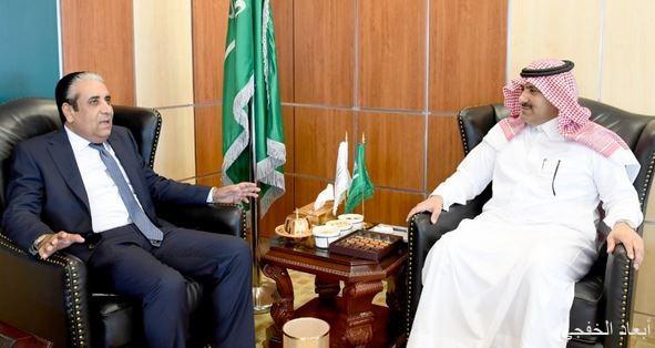 سفير خادم الحرمين لدى اليمن يلتقي محافظ البنك المركزي اليمني
