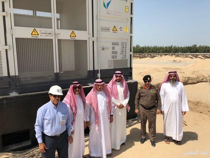 محافظ الخفجي يزور مشروع الحقل الشمسي ١٠ ميجاوات