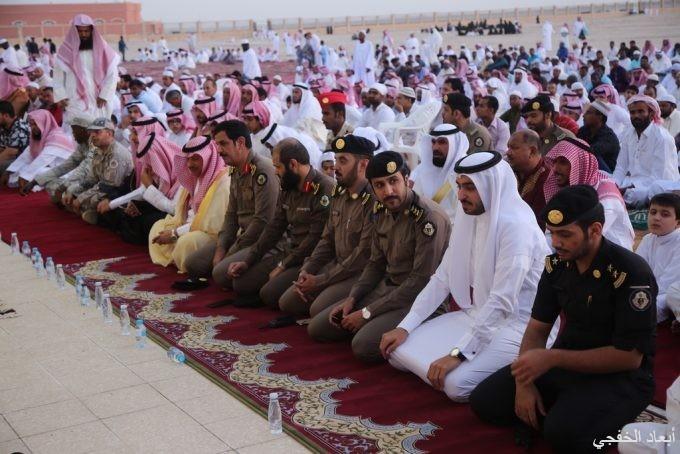 بالصور:الأهالي يؤدون صلاة العيد في مصلى وجوامع الخفجي
