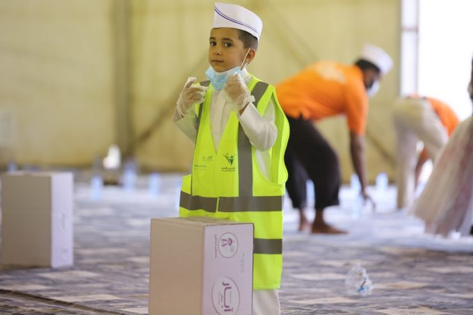 تطوعي نادي حي «الحسن البصري» يشارك في تفطير الصائمين بالتعاون مع تطوعي الخفجي والجاليات