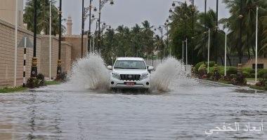 """حملة """"الكويت إلى جانبكم"""" توزع 1500 سلة غذائية على متضررى إعصار ماكونو"""