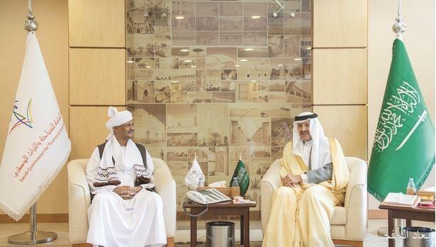 سلطان بن سلمان يلتقي سفيرا السودان وبولندا