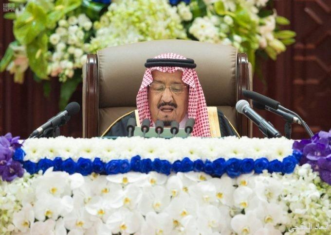 """خادم الحرمين من """"الشورى"""": المواطن السعودي هو المحرك الرئيس للتنمية وأداتها الفاعلة"""