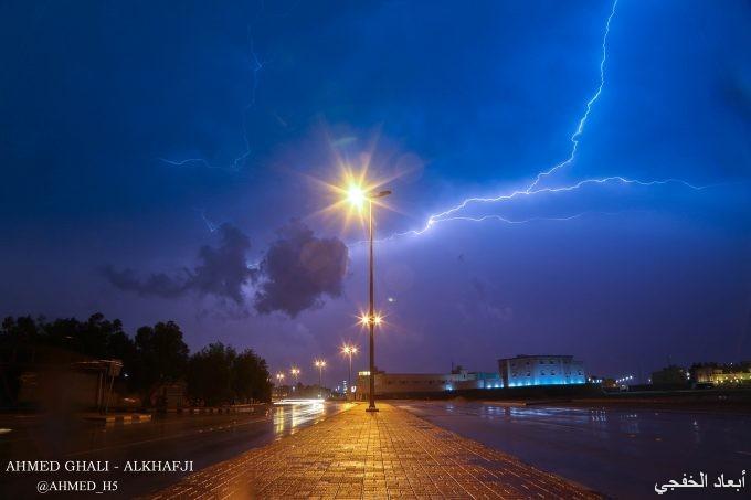 بروق سماء الخفجي – عدسة أحمد غالي