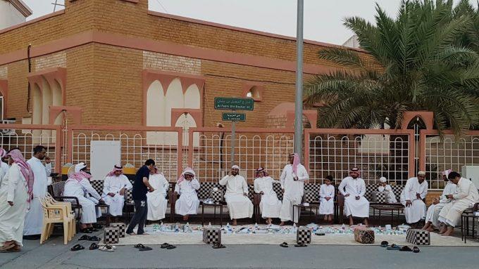 جماعة مسجد مصعب بن عمير بالخفجي تنظم إفطاراً جماعياً